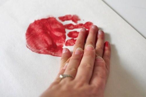 Handprint_Heart3 (500 x 334)