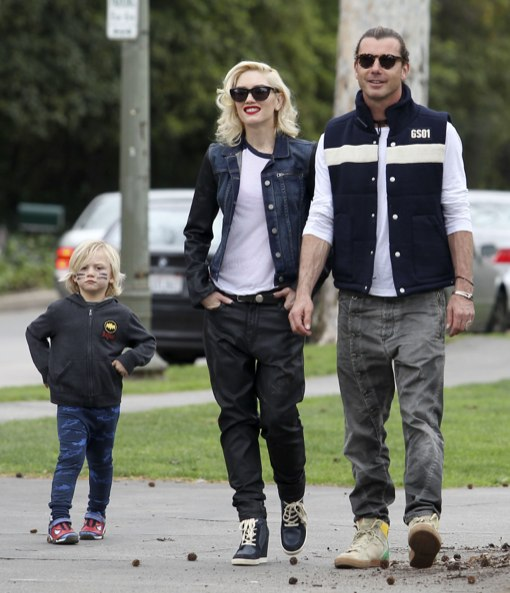 Gwen Stefani and Gavin Take The Boys to the Park