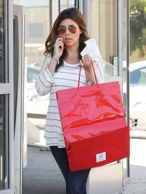 Semi-Exclusive... Pregnant Jamie Lynn Sigler Shops With Her Dog