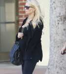 Exclusive... Pregnant Jessica Simpson Leaving The Camuto Group Offices
