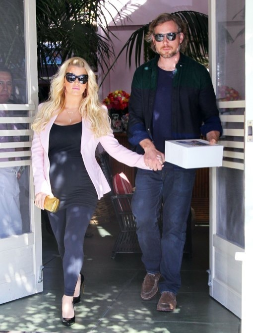 Pregnant Jessica Simpson Leaving The Ivy