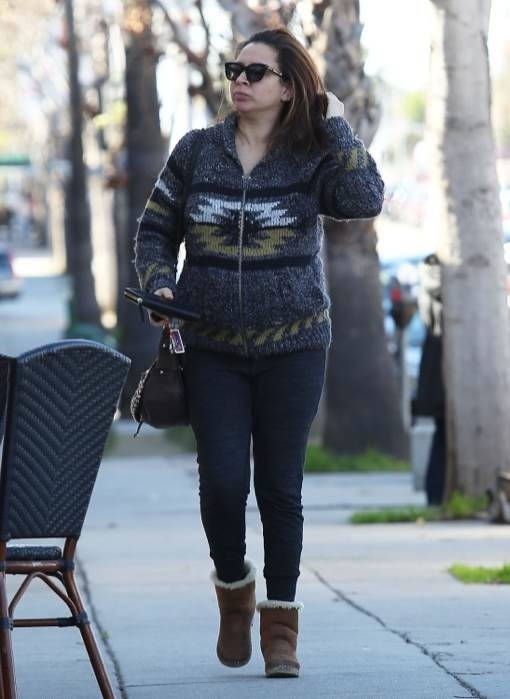 Semi-Exclusive... Pregnant Maya Rudolph Meets A Friend For Lunch