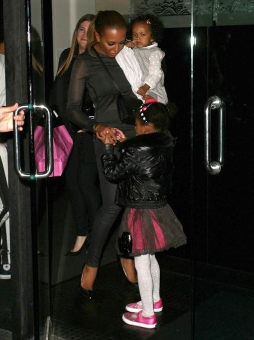 Mel B Takes Her Daughters Out To Dinner At Mr. Chow