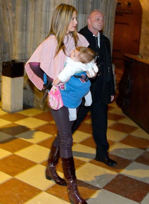 Mira Sorvino Holds Daughter Close While Touring Vienna