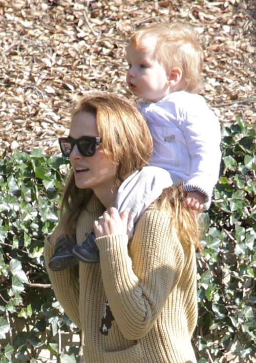 Natalie Portman Gives Aleph a Piggyback Ride