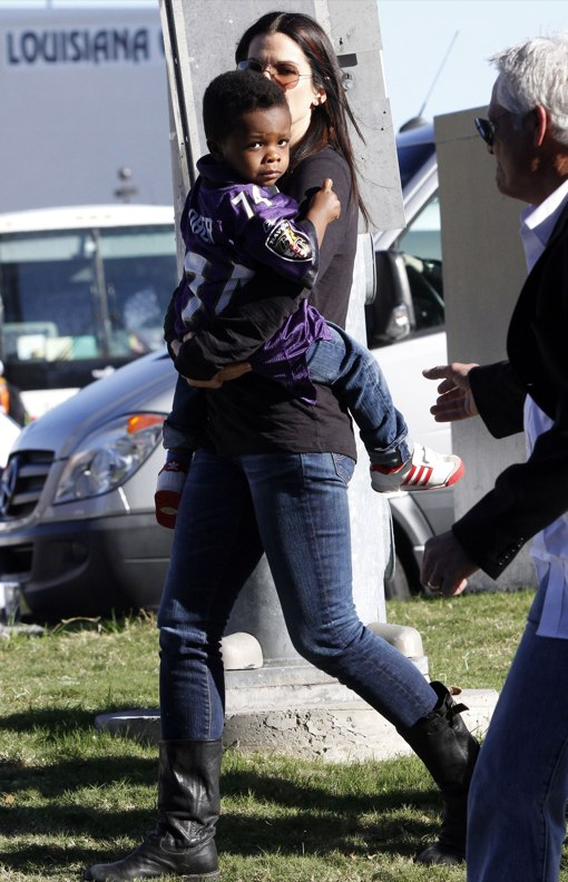 Sandra Bullock & Louis Cheer on The Baltimore Ravens