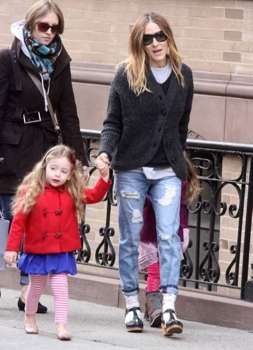 Sarah Jessica Parker Takes Her Little Fashionistas To School