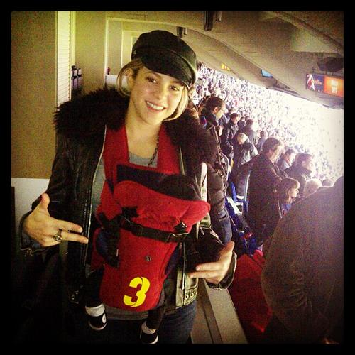 Shakira Takes Milan To His First Football Game