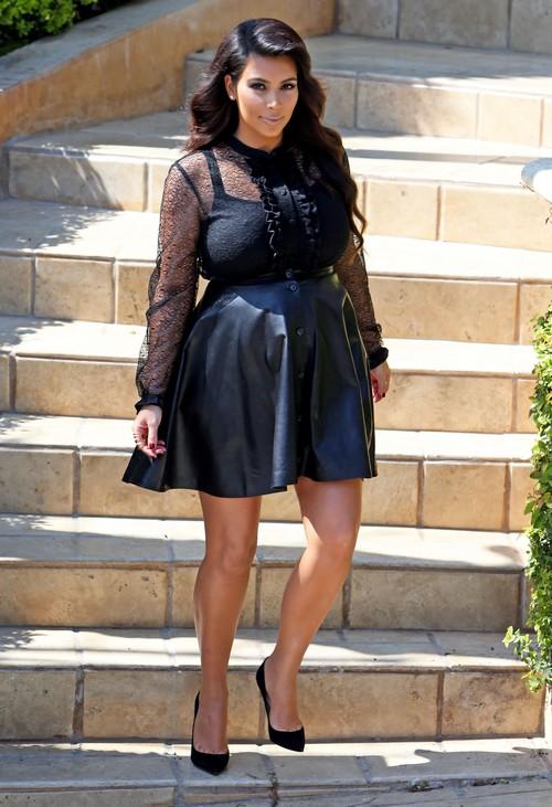 Pregnant Kim Kardashian Leaving Her House In Beverly Hills
