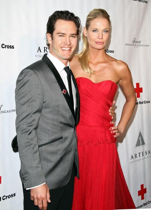 Mark-Paul Gosselaar & Catriona McGinn Expecting First Child Together