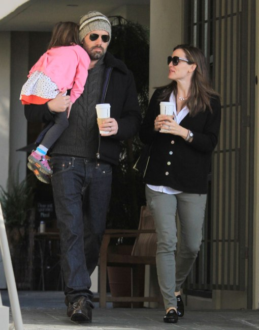 Ben Affleck & Jennifer Garner Pick Up Coffee With Seraphina