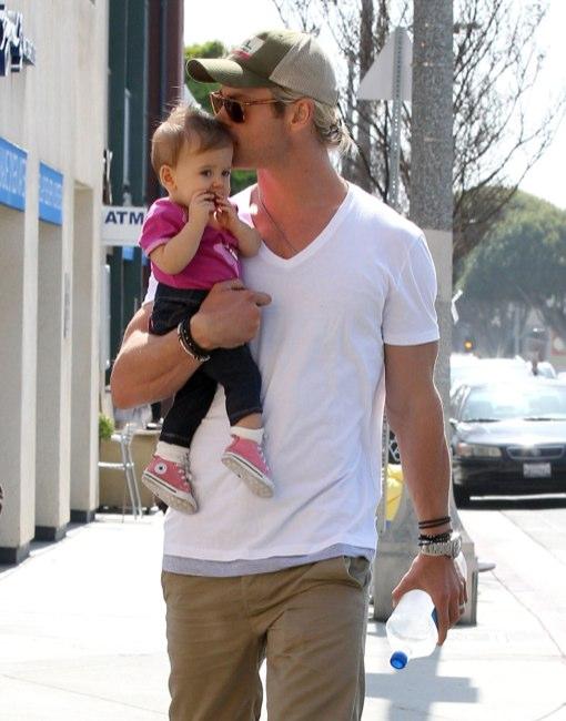 Chris Hemsworth & Elsa Pataky Take India to Breakfast