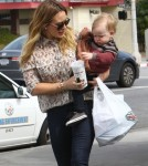 Hilary Duff Grabs Some Mexican Food To Go