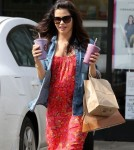 Pregnant Jenna Dewan Grabs A Smoothie At Earth Bar