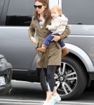 Jennifer Garner Takes Her Kids To Breakfast
