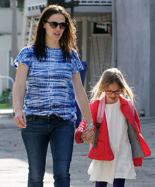 Jennifer Garner Makes Her Daily School Run