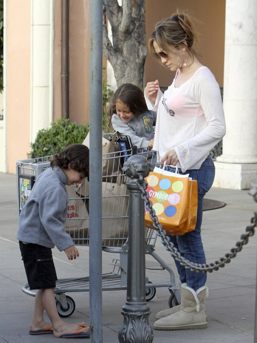 Jennifer Lopez Plays Normal Mom While Shopping