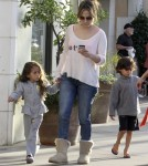 Busy Mom Jennifer Lopez Goes From Fashionable To Frumpy