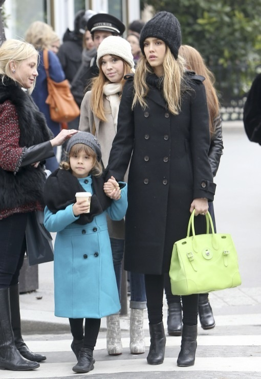 Jessica Alba & Honor Continue Their Paris Girls Vacation
