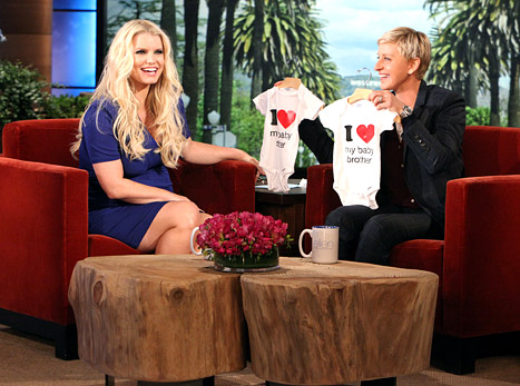 "Pregnant Jessica Simpson: ""I'm Like Exhausted. Eating Tums!"""