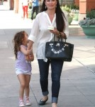 Kyle Richards & Daughter Portia Stop By Pinkberry