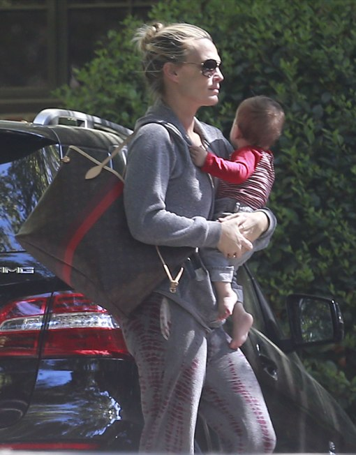 Molly Sims Takes Brooks to a Playdate