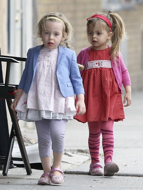 Sarah Jessica Parker Walks Her Adorable Little Girls To School