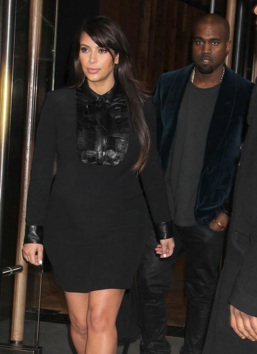 Kim Kardashian Wont Be Doing A Naked Baby Bump Photo Like Demi Moore  Britney Spears -4471