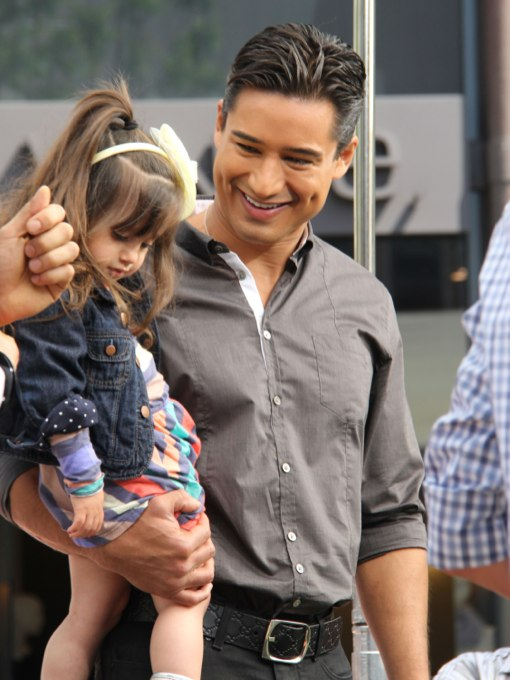 Exclusive... Mario Lopez Gets A Visit From His Family On Set
