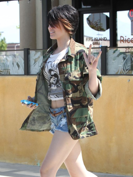 Paris Jackson & Debbie Rowe Bond Over Lunch