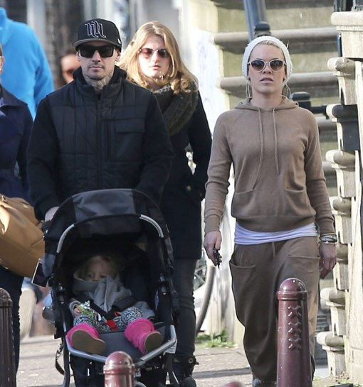 Pink & Family Enjoying Some Sightseeing In Amsterdam