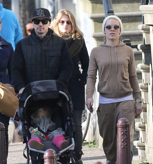 Pink Amp Family Tour Amsterdam Celeb Baby Laundry