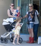 Tori Spelling Takes Finn & Stella To The Park
