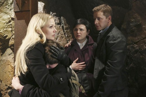 "Once Upon a Time RECAP For May 12, 2013: Season 2 Finale ""And Straight On 'Til Morning"""