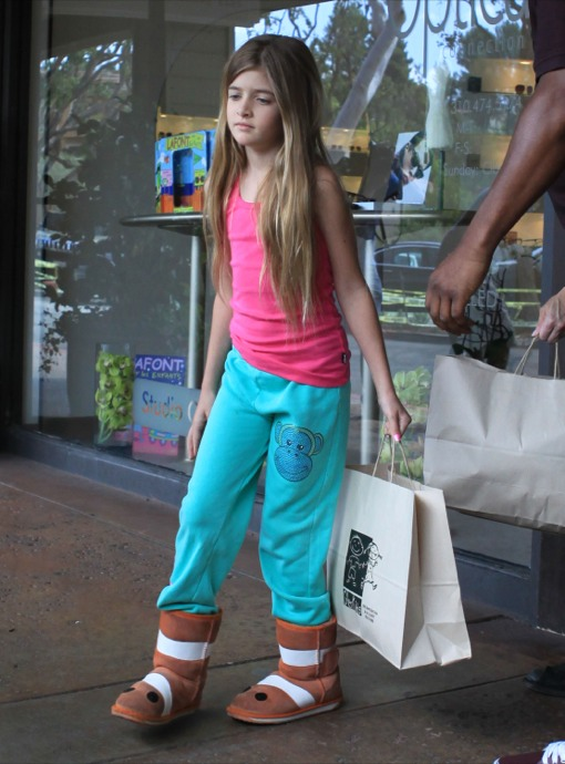 Denise Richards Takes Her Daughters Shopping  Celeb Baby Laundry-9187