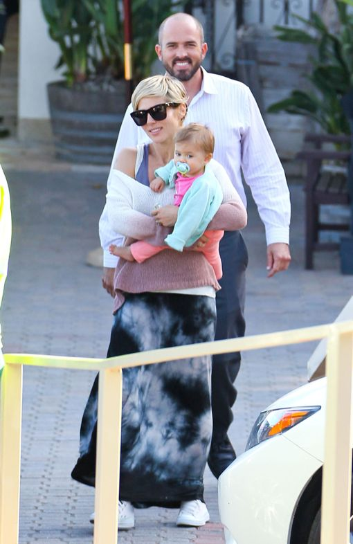 Elsa Pataky: Dinner With Her Baby