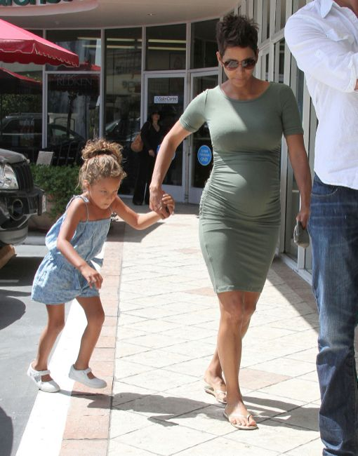 Halle Berry Bumps With Daughter
