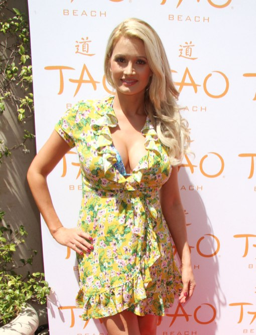 Holly Madison at Tao Beach Season Grand Opening At The Venetian