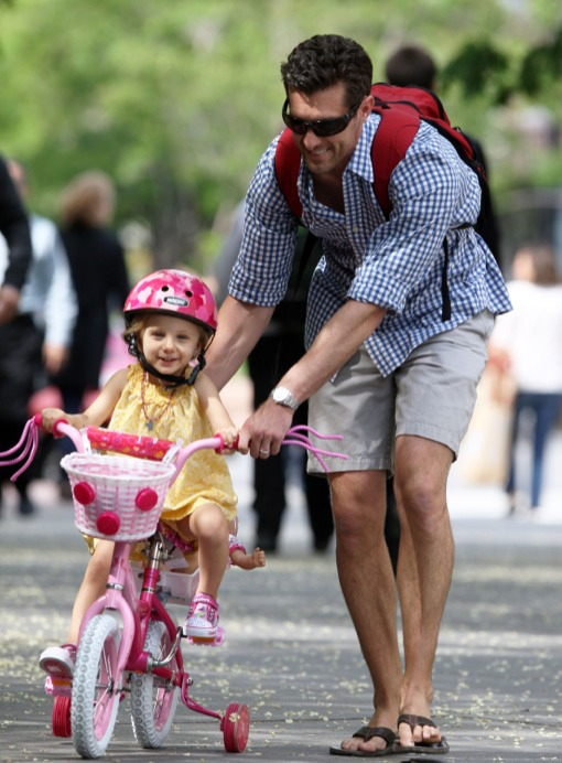 Jason Hoppy Takes His Daughter Bryn For A Bike Ride Celeb Baby Laundry