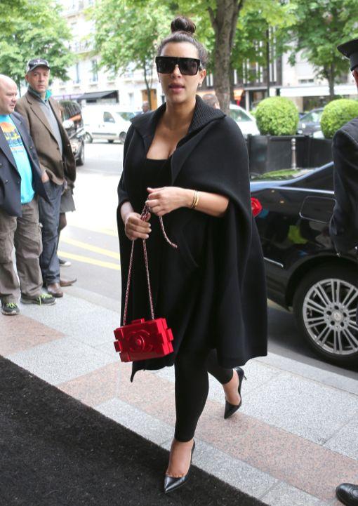 Kim Kardashian & Kris Jenner Lunch In Paris