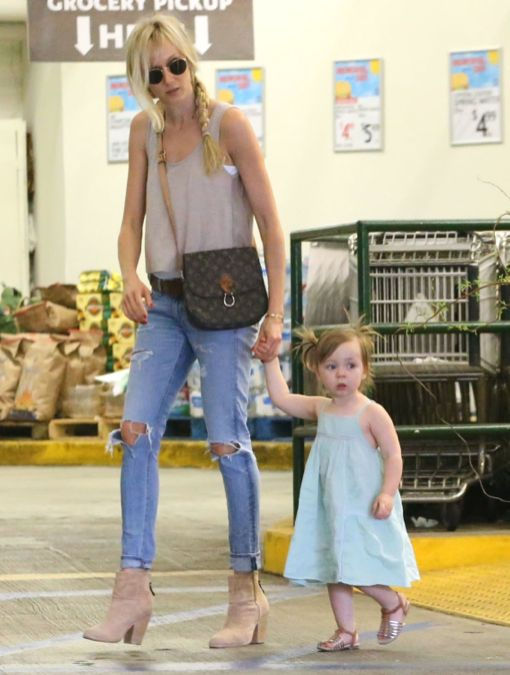 Exclusive... Kimberly Stewart & Daughter Delilah Grocery Shopping At Whole Foods