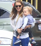 Semi-Exclusive... Natalie Portman Takes Aleph To A Community Center