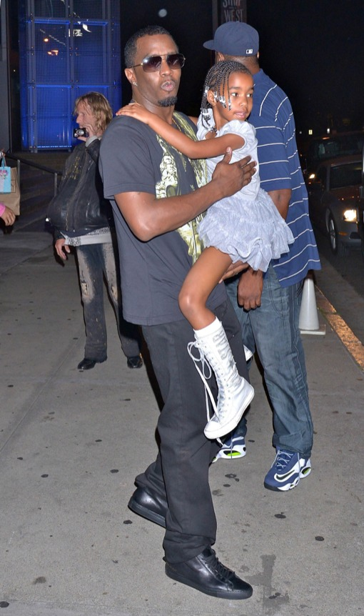Sean Combs Treats Kim Porter To Fancy Dinner on Mother's Day