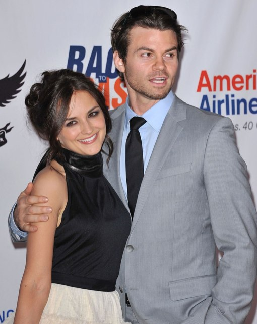 Rachael Leigh Cook & Daniel Gillies Expecting Baby No. 1