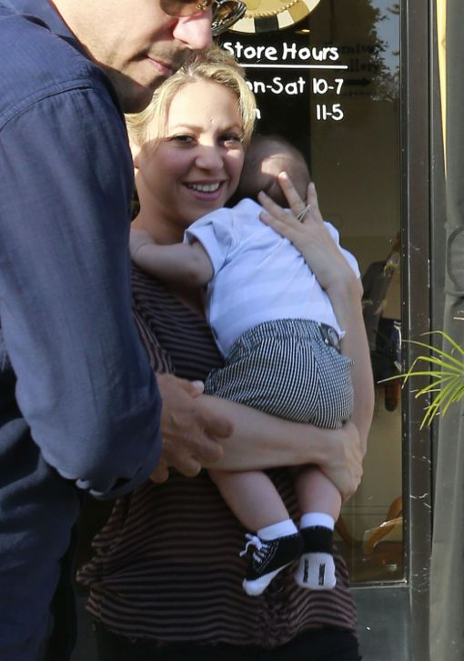 Shakira And Her Son Leaving Bel Bambini
