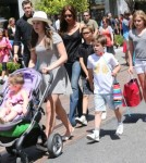 Victoria Beckham Shopping With Her Family At The Grove