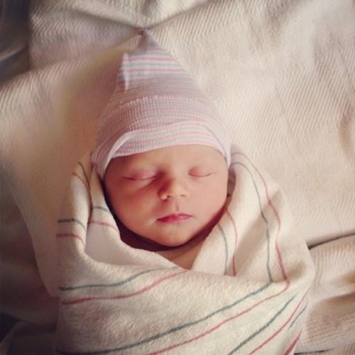 Olympic Swimmer Amanda Beard Gave Birth To A Baby Girl! (PHOTO)