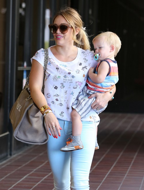 "Hilary Duff Leaves ""Babies First Class"" With Son Luca"