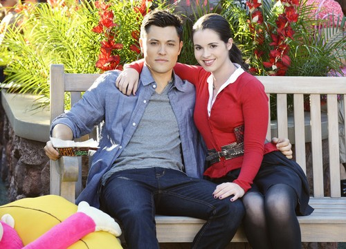 "Switched at Birth Season 2 Episode 12 ""Distorted House"" RECAP 6/17/13"