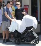 Exclusive... Anna Paquin And Family Out To Eat In Venice